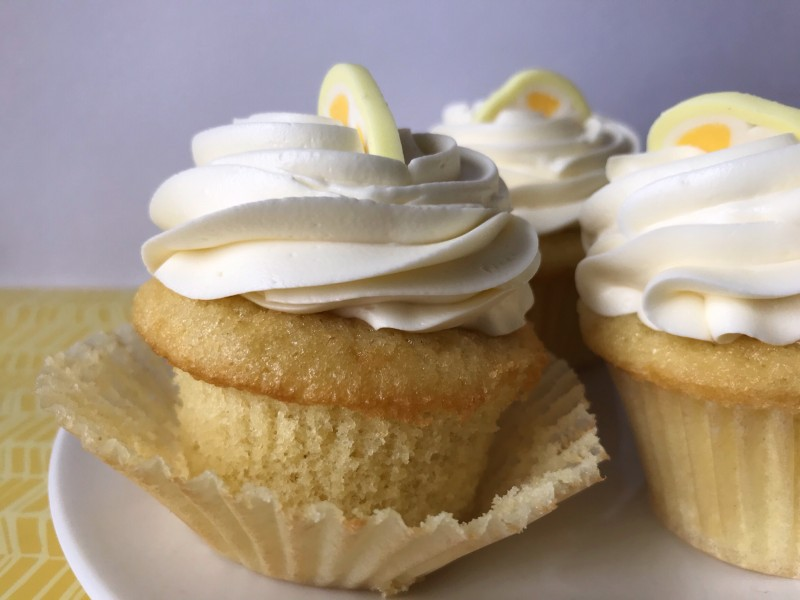 buttermilk cupcakes with lemon buttercream frosting